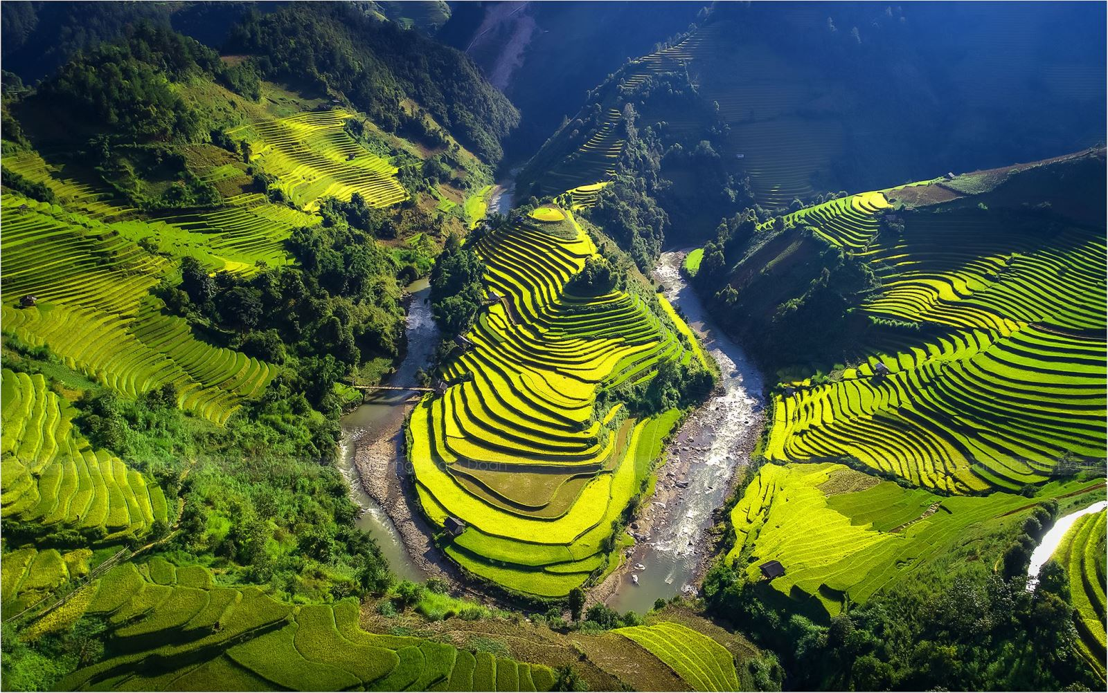 5 days Hanoi- Sapa (by train)- Halong day trip