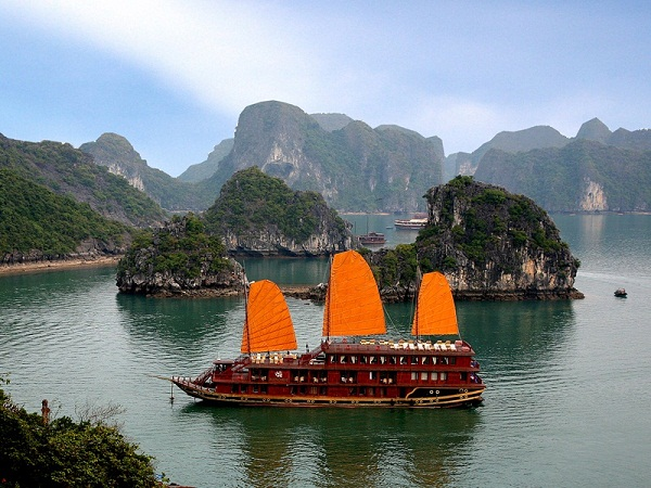 4 days Hanoi- Halong with Overnight Cruise